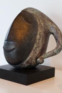 Dieser Eulenspiegel-Kopf wurde vom Freundeskreis Till Eulenspiegels e.V. zur Eröffnung des Erweiterungsbaus 1996 angeschafft.